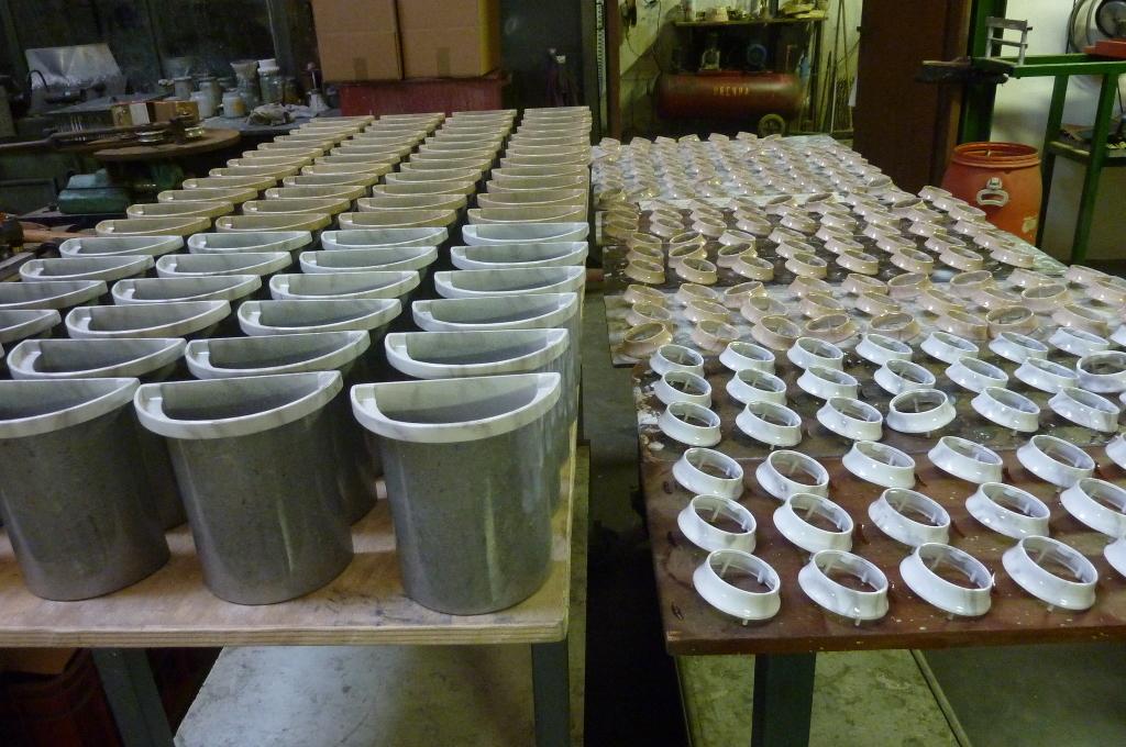 Interni per vasi in marmo eredi chiodi for Arredi cimiteriali